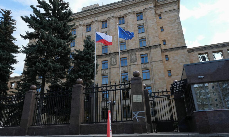 Esta onda é desencadeada pelos EUA , diz MRE russo sobre expulsão de seus diplomatas de vários países