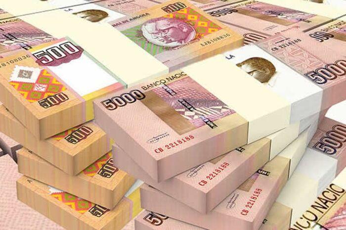 Kwanza deprecia em 3,25% e 6,08% face ao dólar e euro