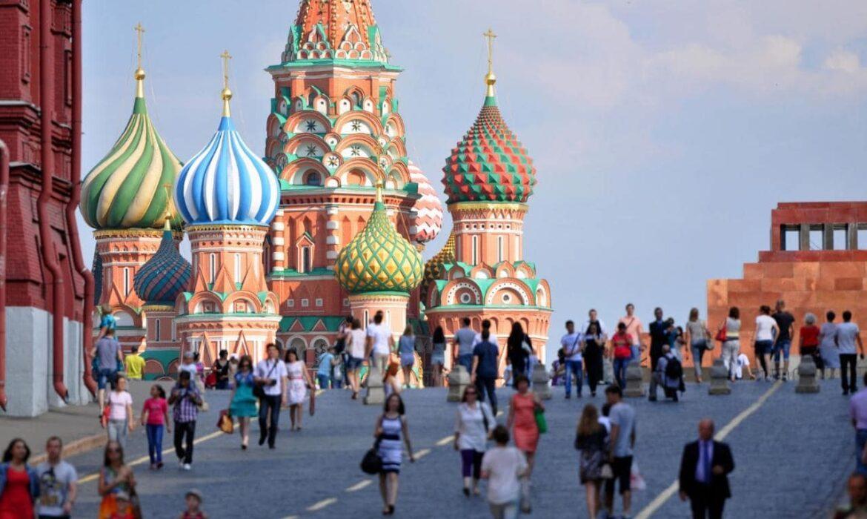 Moscovo adverte sobre 'consequências', enquanto EUA impõem novas sanções à Rússia visando dívida e expulsa diplomatas