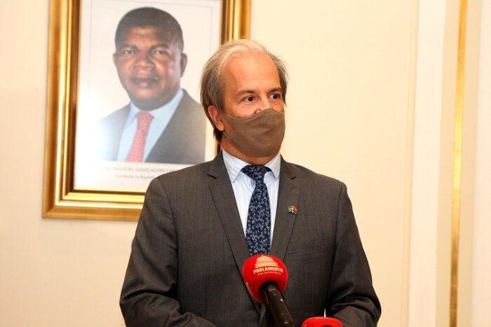 Embaixador solicita tratamento equilibrado aos brasileiros da IURD-Angola