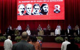 Raúl Castro deixa cargo de líder do partido comunista cubano