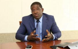 Governo promete acabar com burocracia para melhorar ambiente de negócios