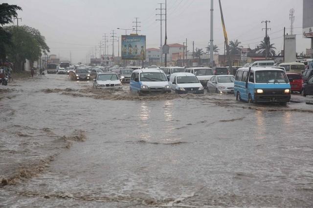 "Carta do leitor: Chuva volta a ""destapar"" Luanda"