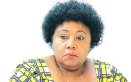 Embaixadora interage com a comunidade angolana na Africa do Sul