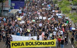 Manifestações contra Bolsonaro em 24 Estados e na capital