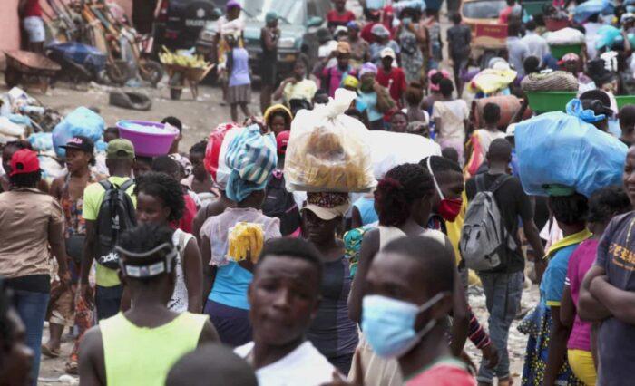 Mais de 300 funcionários da administração do mercado do Kikolo à beira do desemprego