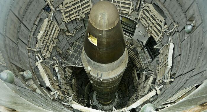 Almirante reforça 'temor e paranóia' dos EUA ao ponderar nova era de aniquilação nuclear