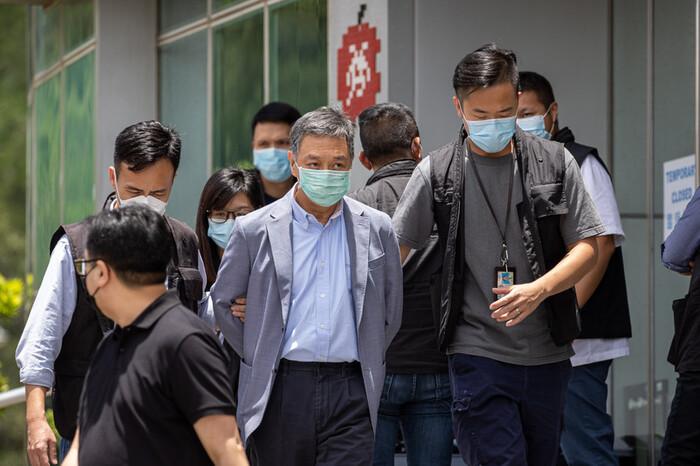 Polícia de Hong Kong detém responsáveis de jornal por conspiração com forças estrangeiras