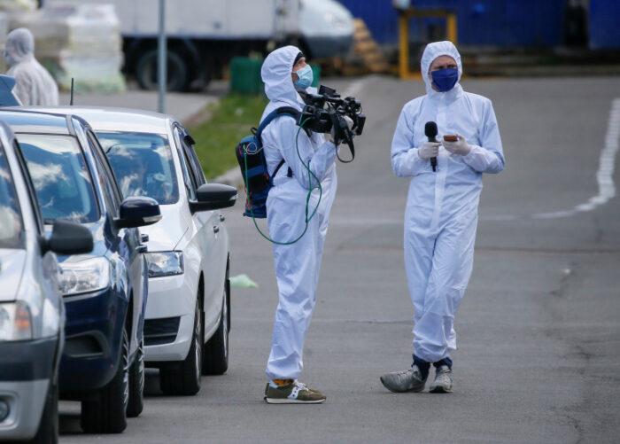 Pelo menos 1.115 jornalistas de 77 países morreram de Covid-19