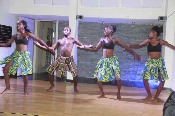 Companhia Art e Fit celebra Dia da Criança Africana com exibição de danças