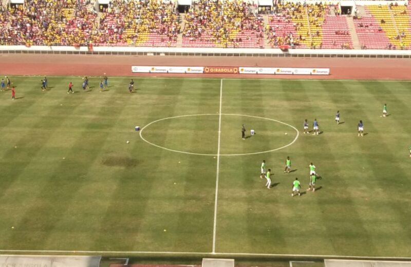 Começou o jogo do título do Girabola 2020/202