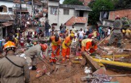 Pelo menos 34 mortos após o deslizamento de terras na Índia Ocidental