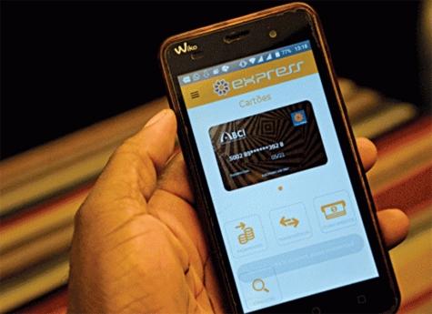 As duas telefonias móveis do país já oferecem 'Multicaixa Express' sem consumo de dados