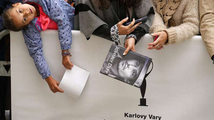 Filme sobre migrantes vence Festival de Karlovy Vary