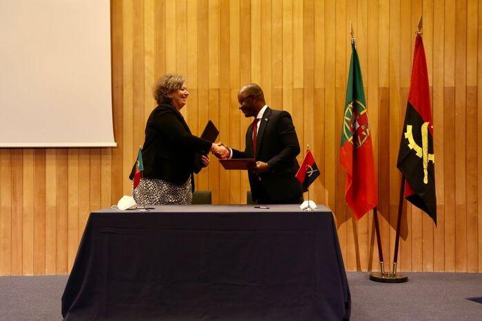 Angola e Portugal assinam memorando na área de transporte rodoviário