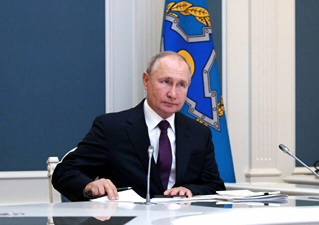 Putin diz que situação na zona da OTSC não só é instável, como apresenta riscos para os países da região