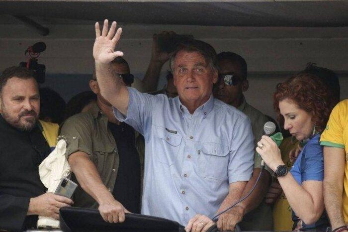 Bolsonaro multado pela sétima vez por não usar máscara em São Paulo