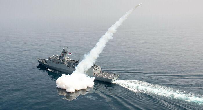 Coreia do Sul conduz com êxito teste de míssil balístico lançado de submarino