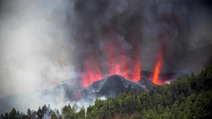 Espanha recomenda suspensão dos vôos para LaPalma devido ao vulcão