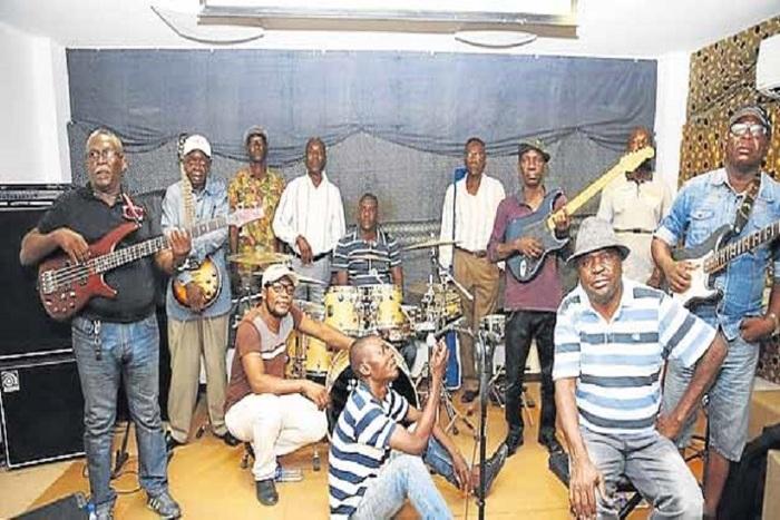 Jovens do Prenda movimentam Domingo palco do Centro Cultural Kilamba