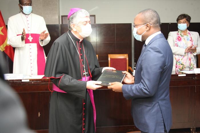 Executivo e Santa Sé formalizam instrumentos jurídicos para a cooperação bilateral