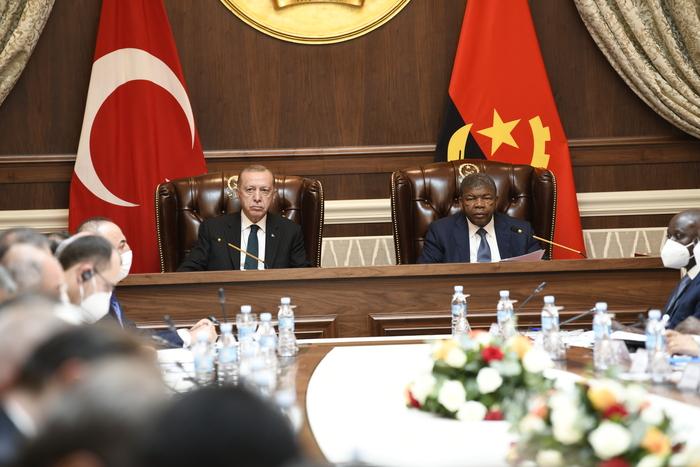 Visita do Presidente da Turquia a Angola termina com objectivos alcançados
